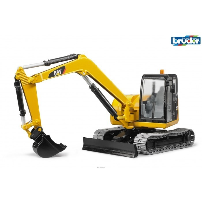 kavanaghs toys bruder cat mini excavator 1 16 scale. Black Bedroom Furniture Sets. Home Design Ideas